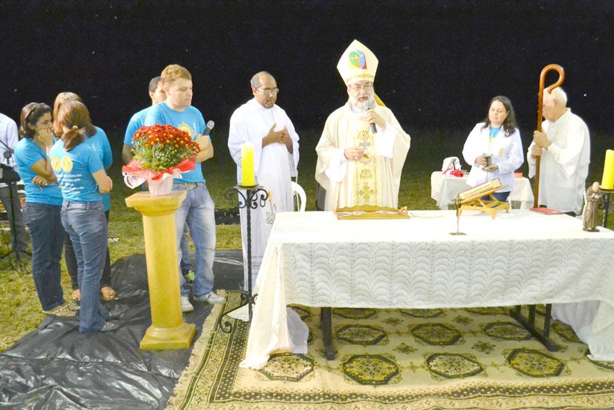 Em 2014 o bispo Dom Simão esteve em Pedrinhas celebrando o lançamento da pedra fundamental